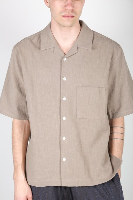 s.k. manor hill ALOHA SHIRT - TAUPE