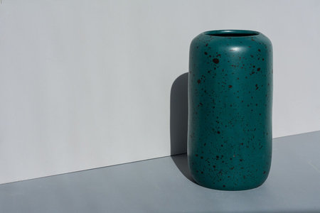 YYY speckle tall pill vase - emerald