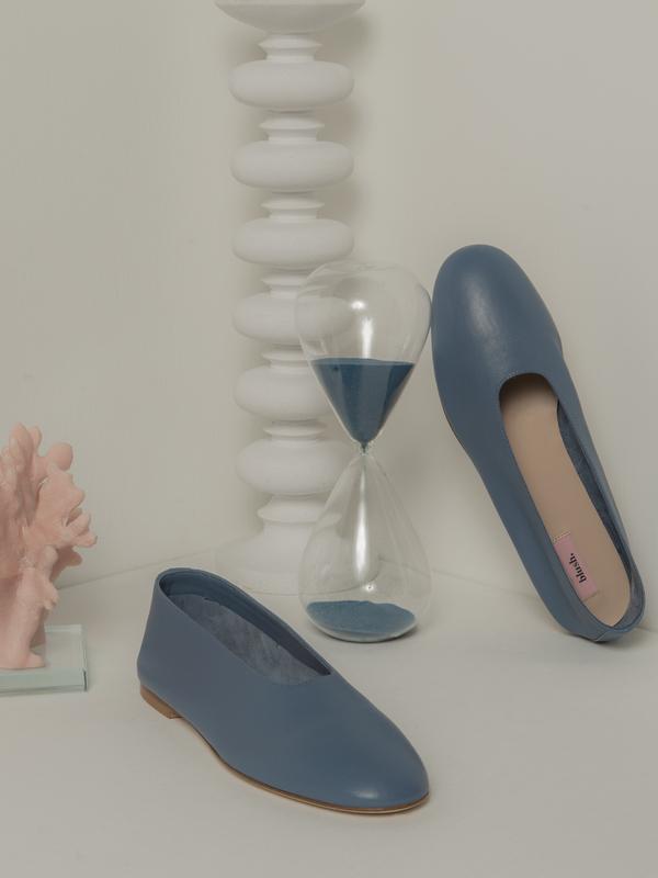 blush. Jeans Flat - Dust Blue