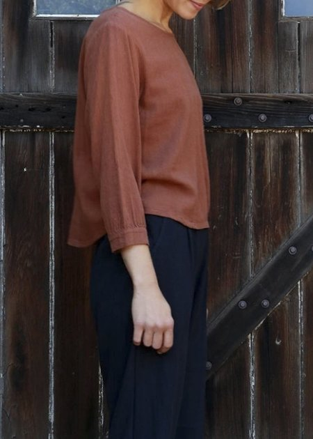 Me & Arrow Linen Cuff Sleeve Top - Brown