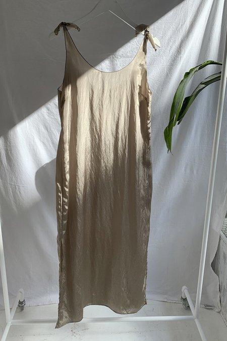 AMOMENTO TIED SLIP DRESS - light khaki