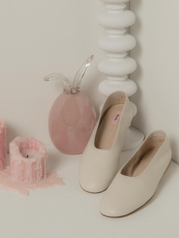 blush. Glove - Panna