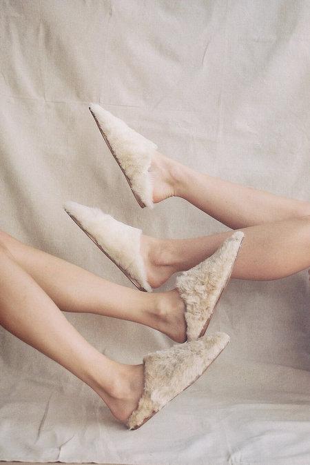 Bronze age Dalia Shearling Slide - natural