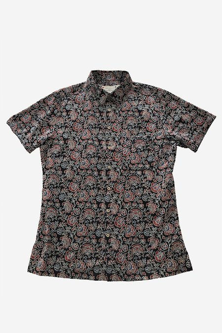 ONE WORLD BROTHERS Modern Fit Short Sleeve Shirt - Black Flower