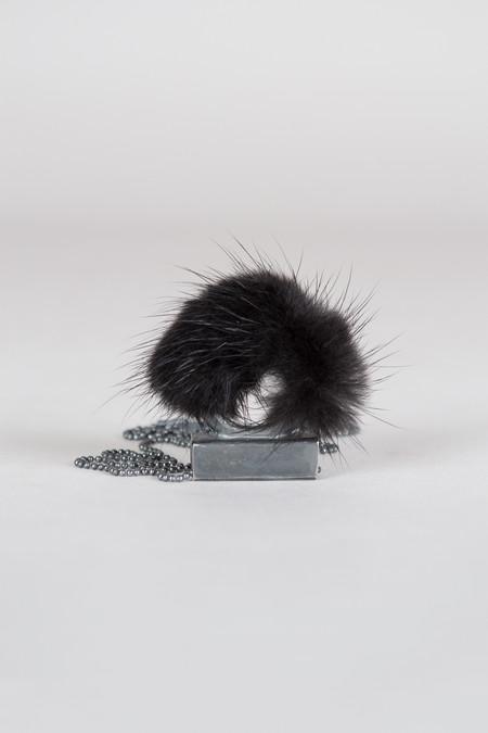 FESWA black mink ring pendant