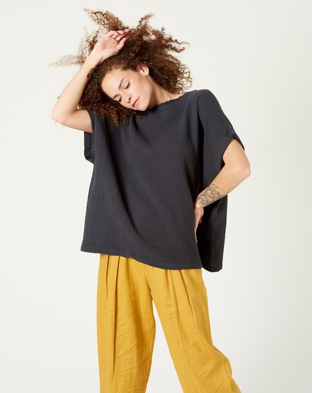 Black Crane Double Gauze Top - Faded Black