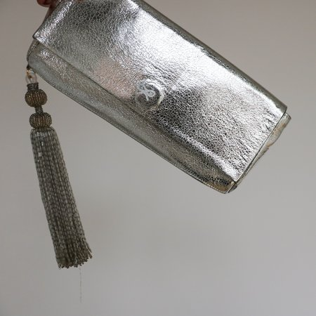 Pre-loved Anya Hindmarch Metallic Clutch - Silver