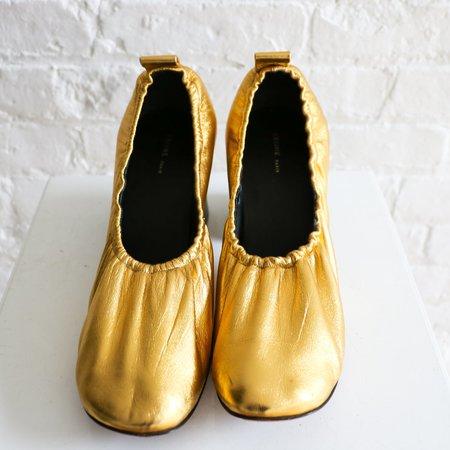 Pre-loved Celine Metallic Pumps - Gold