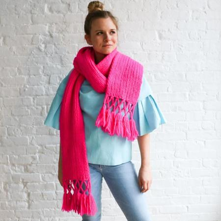 [pre-loved] Knit Fringe Scarf - Bright Pink