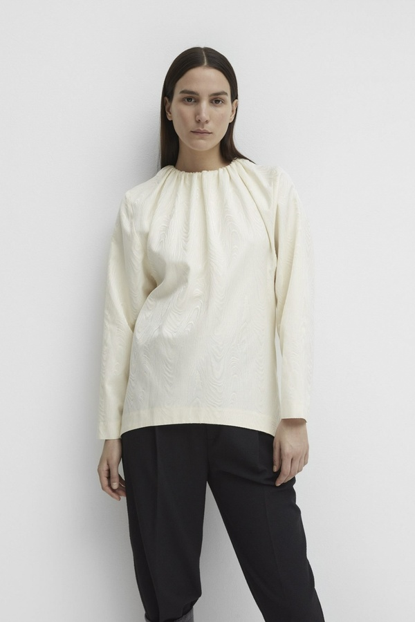 Totême MOARE BLOUSE WITH GATHERING AT NECK TOTEME