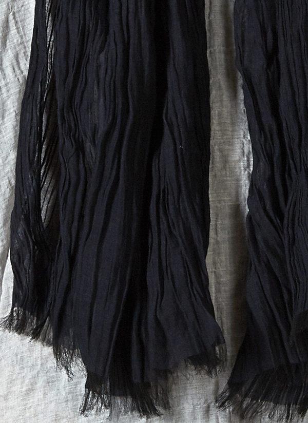 GREI. SILK COTTON CRINKLE SCARF - BLACK