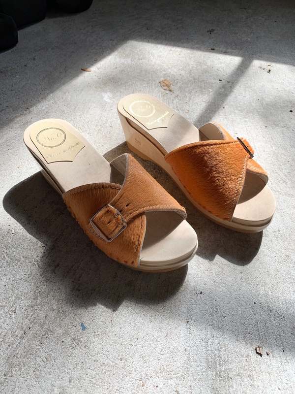 No.6 Pony Abuela Clog On Mid Wedge