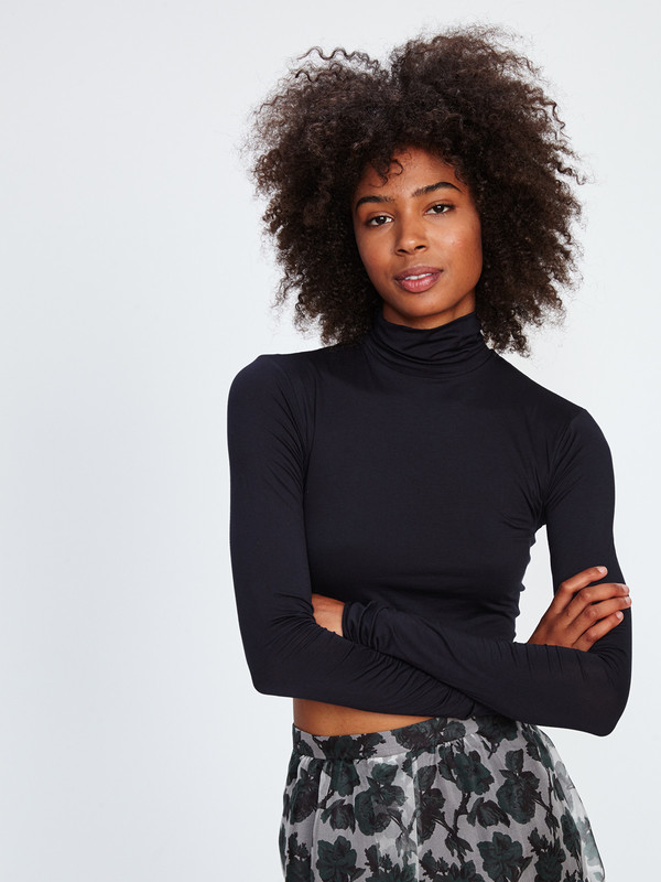 WYMANN CROPPED TURTLENECK / BLACK