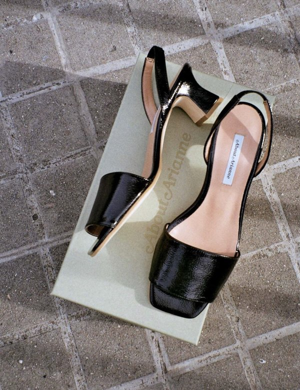 About Arianne Joan Patent Black