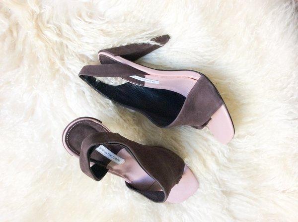 Pre-loved DVF Suede Sandal Pumps - brown/pink