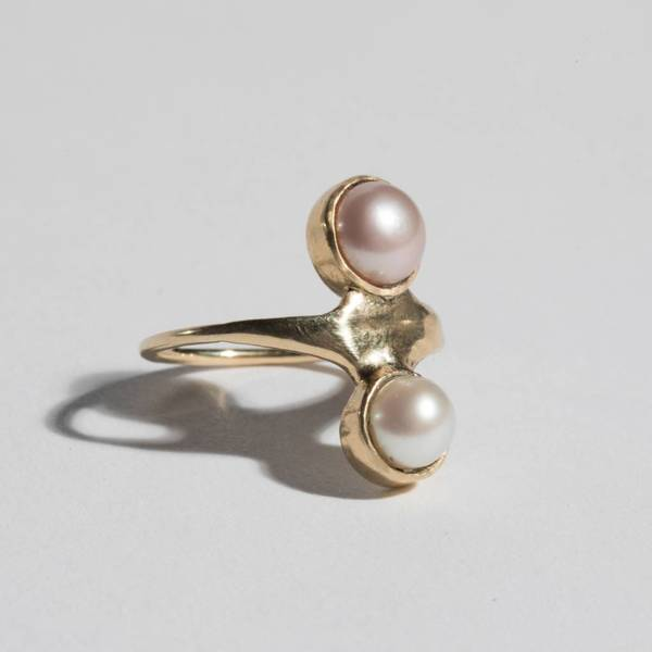 Aesa Ring with two pearls - 10k gold