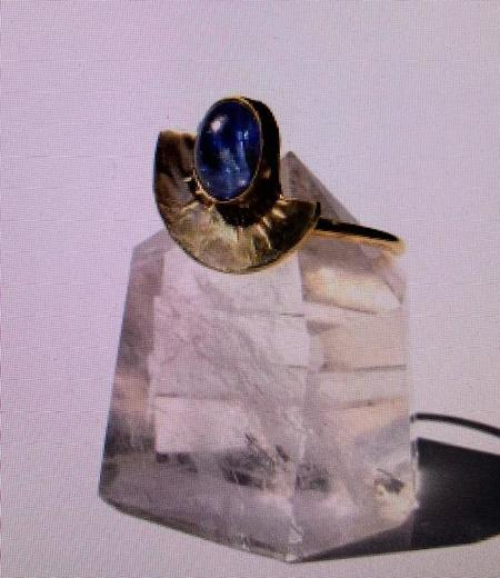 Fade Into The Abstract Curve Ring - Brass