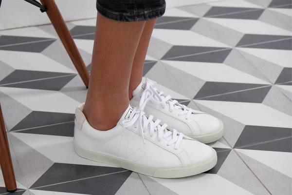 VEJA Esplar Low Leather Sneaker - Extra