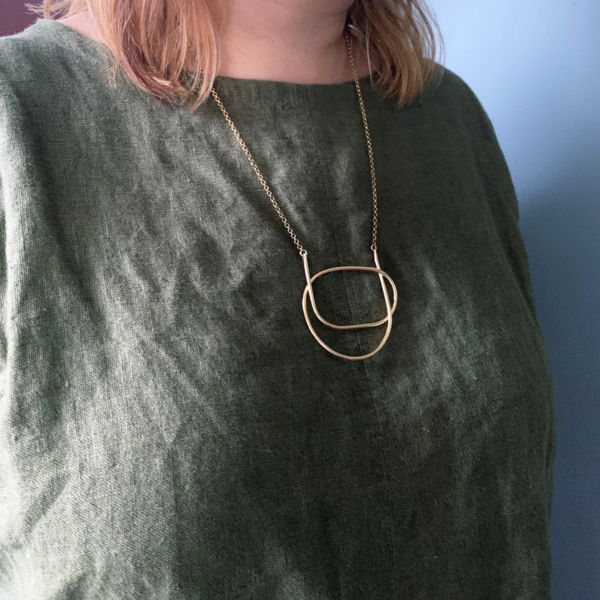 Knuckle Kiss Linya Necklace - brass