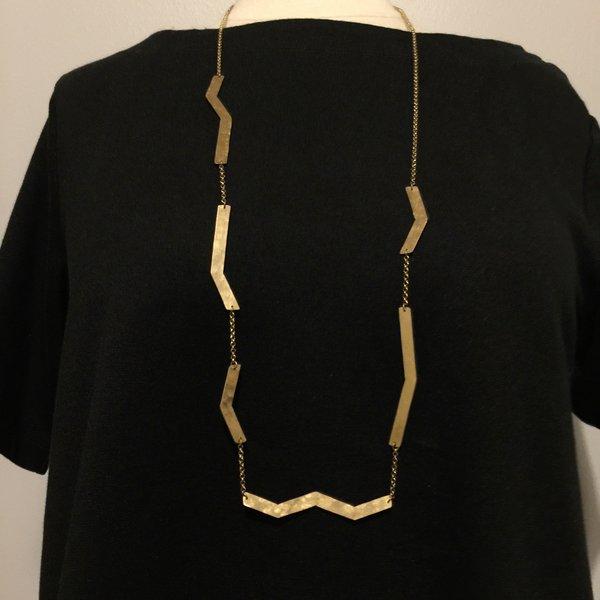 Knuckle Kiss Zig Zag Necklace - brass
