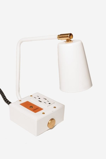 Conway Electric EXTO JAX Touch Light w. USB & Outlet