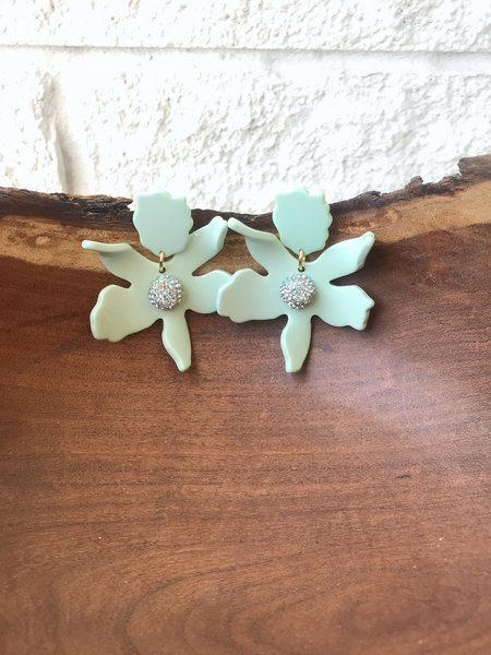 LeLe Sadoughi SMALL CRYSTAL LILY EARRING - MINT