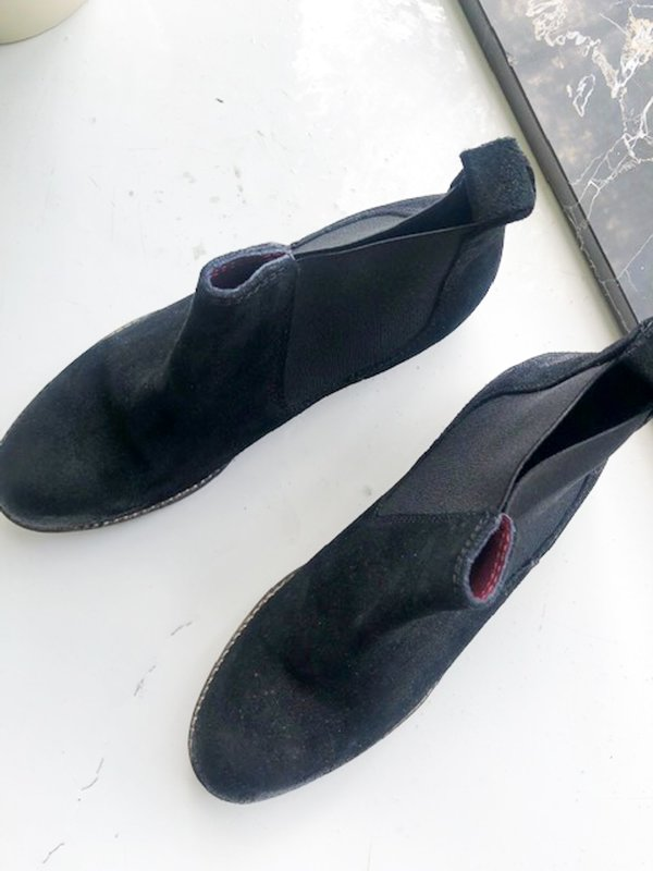 [PRE-LOVED] Barneys Suede Boots - black
