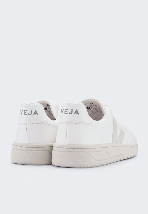 VEJA V12 Chromefree Leather Sneaker - extra white/pierre