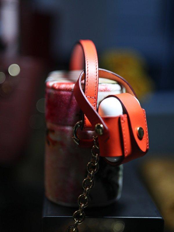Officina del Poggio Fiamma Leather AirPod Case - bright red