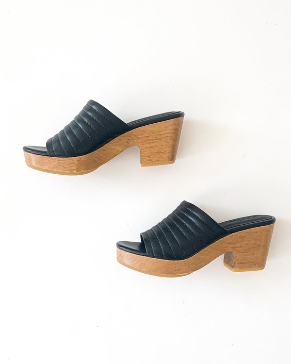Beklina Ribbed Open Toe Clog - Black