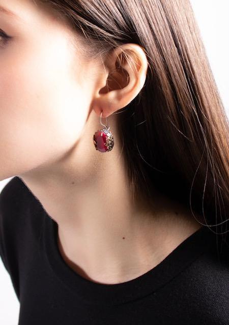 Bora Indian Ruby Filigree Earrings - Brass/Ruby