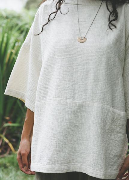 Black Crane - Quilted Top in Cream