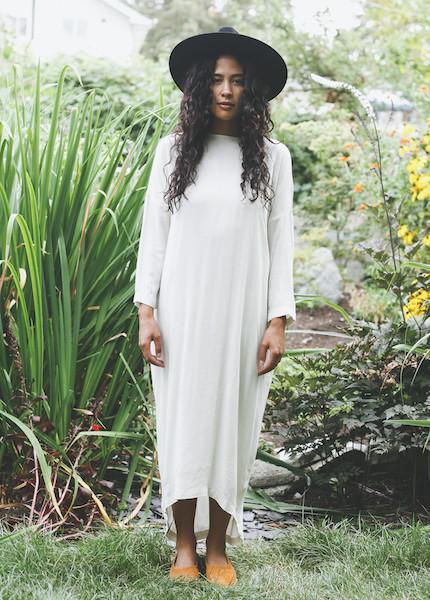 Black Crane - Pleated Cocoon Dress in Cream