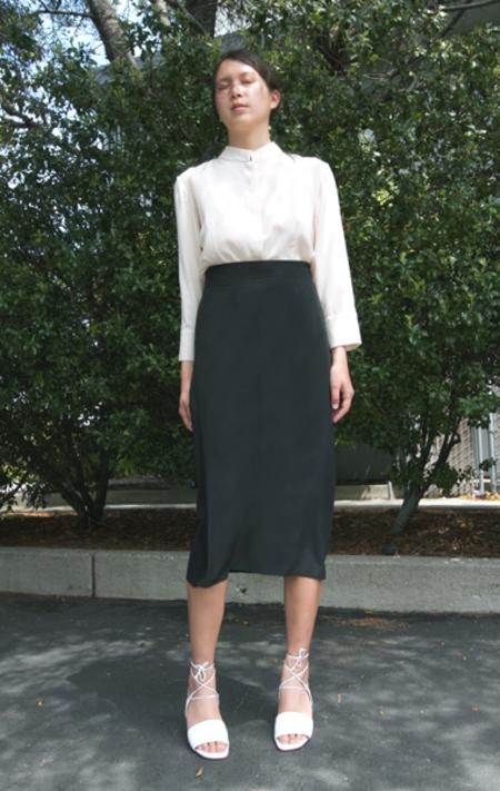 Istok Ada Skirt - Black