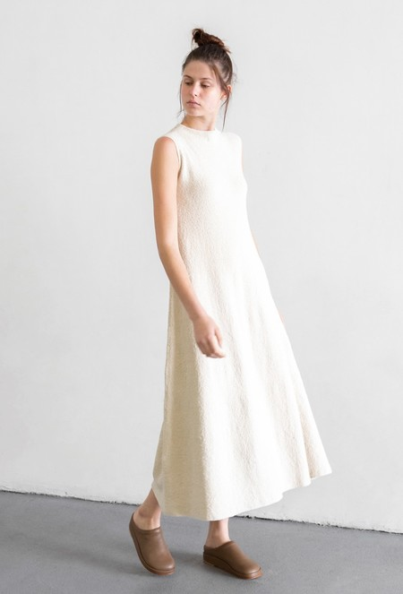 LAUREN MANOOGIAN SHELL DRESS - RAW WHITE