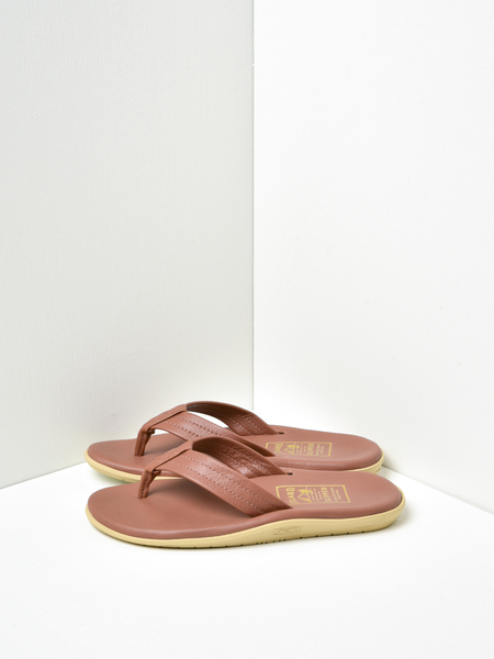 Island Slipper Classic Leather Sandals - Whiskey
