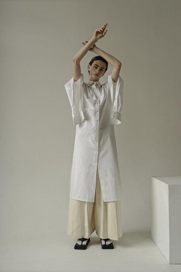 K M by L A N G E Sleeves Button Tunic Shirt - White