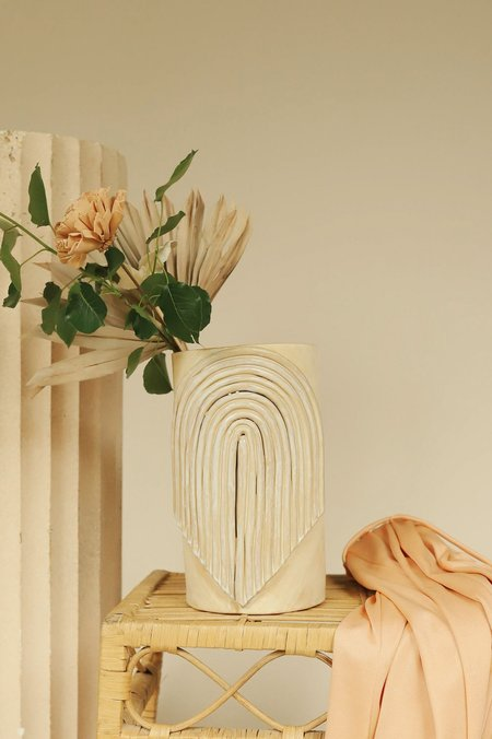 CURIOUS CLAY Arch Fringe Vase