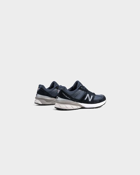 New Balance M990NV5 Sneakers - Navy/Castlerock