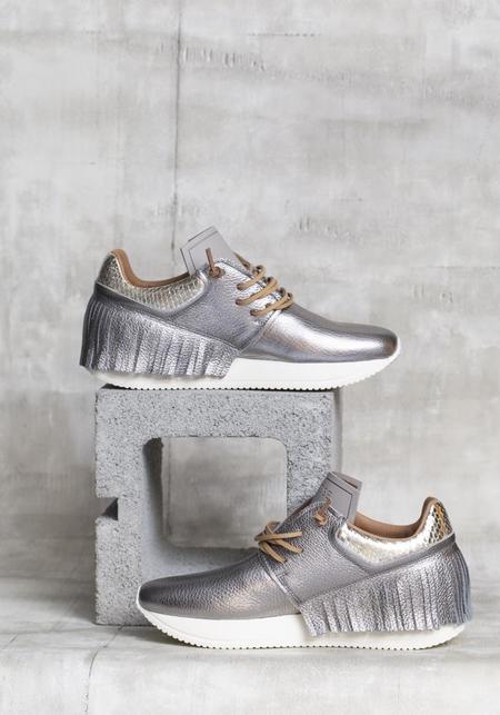 Esseutesse Fringe Sneakers - Graphite