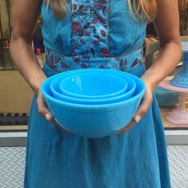 Blue Milk Glass Mixing Bowl Set