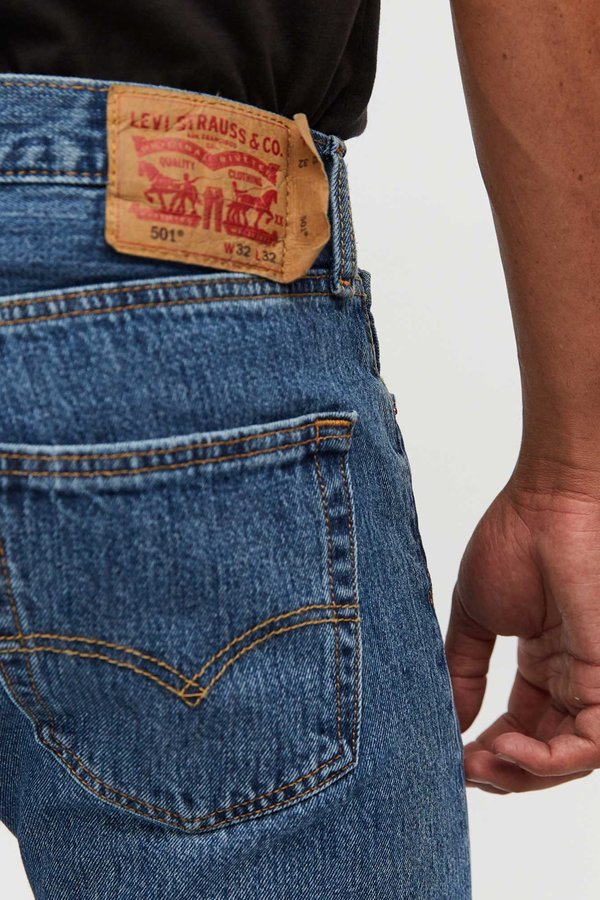 Levi's 501 Original Fit Jeans - Medium Stonewash