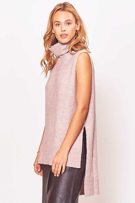 Sen Alyn Sleeveless Turtleneck Sweater - Pink
