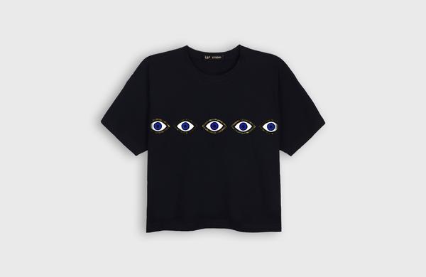 LB2 STUDIO Eyes Crop T-shirt