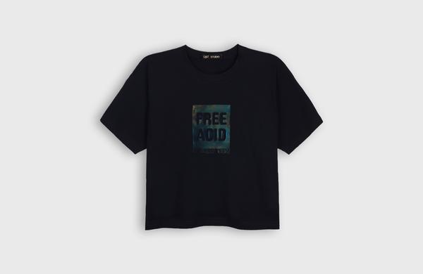 LB2 STUDIO Free Acid Crop T-shirt