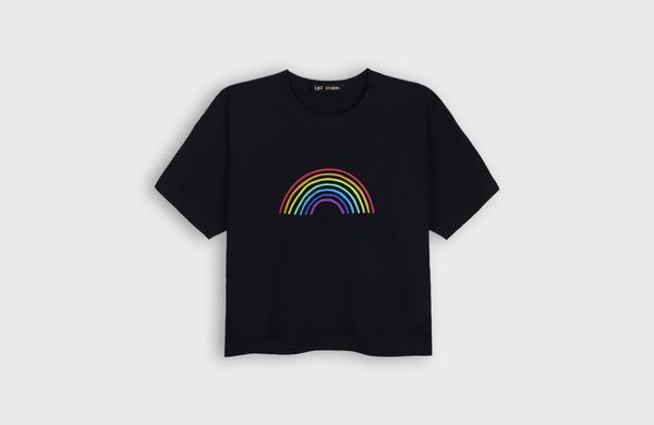 LB2 STUDIO Rainbow Crop T-shirt