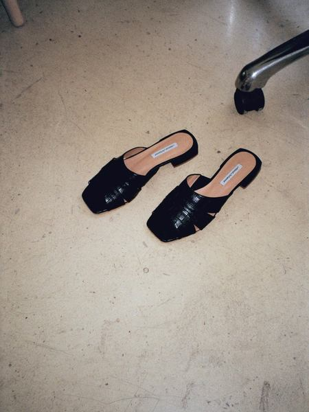 About Arianne Sybille Sandals - Black