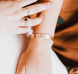 Favor Basic Brass Cuff