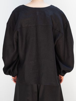 Nancy Stella Soto V-Neck Cropped Shirt - Black