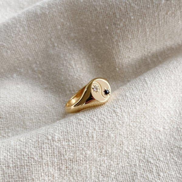 Merewif Yin + Yang Signet - Gold